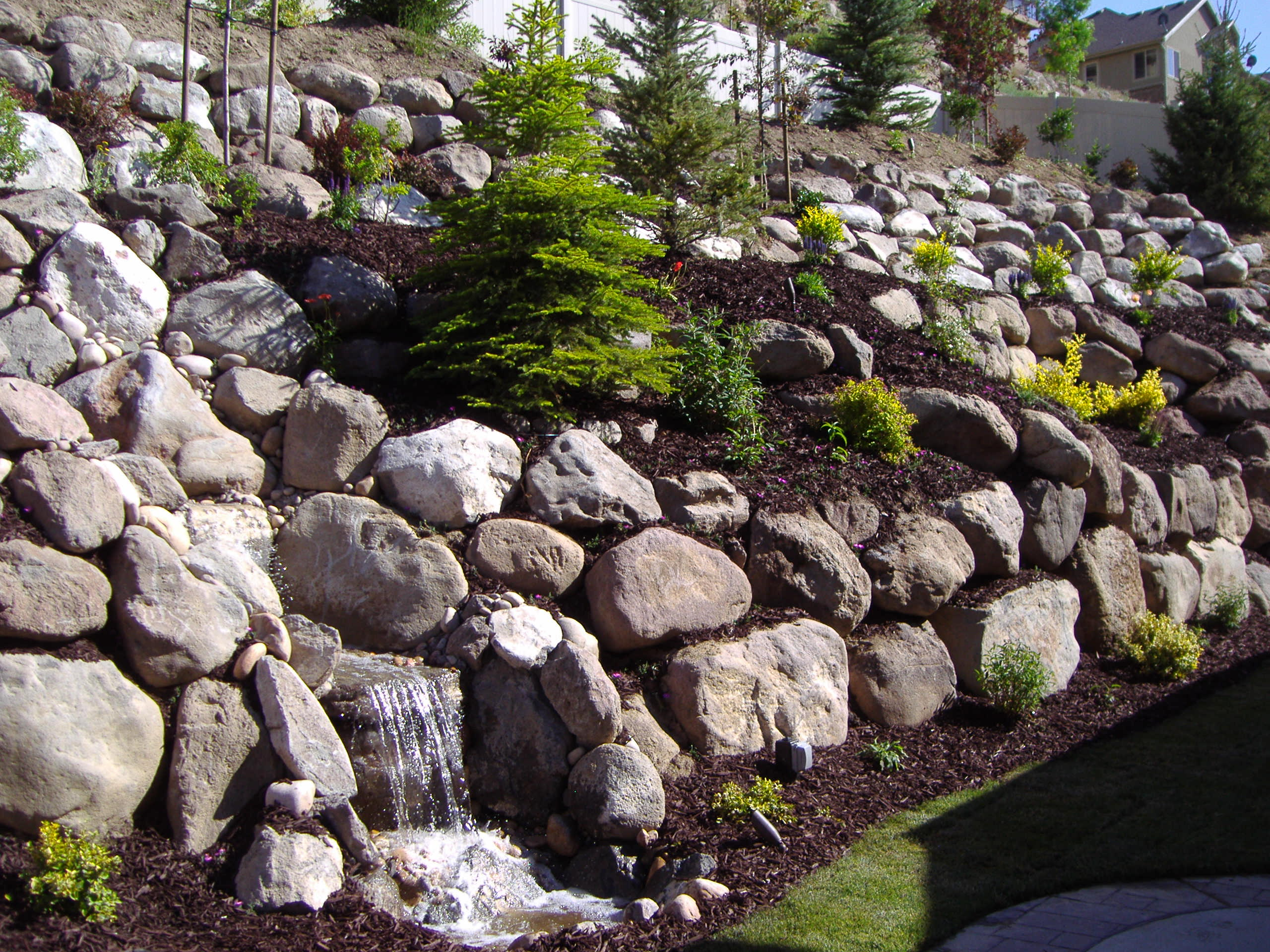 utah rock wall and retaining wall company block walls rockscapes dry stack walls cement. Black Bedroom Furniture Sets. Home Design Ideas
