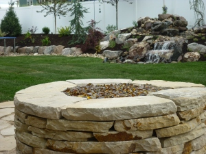 Drystack flagstone natural gas fire pit