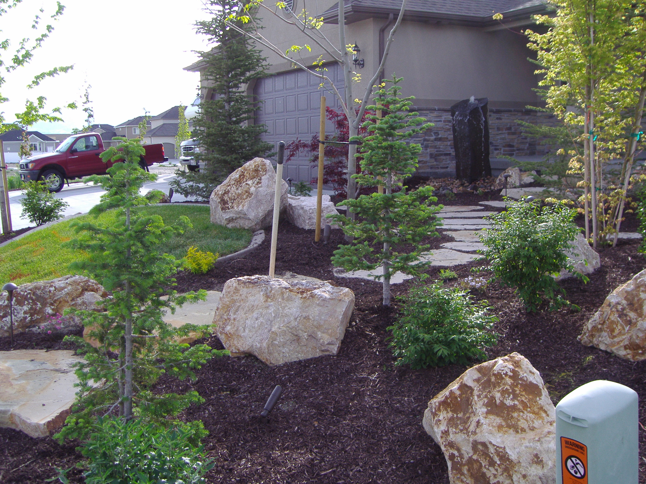 Utah landscapers landscaping relandscaping and adding for Landscaping rocks utah county